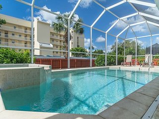 Sophisticated 3BR/2BA w/ Private Screened Pool & Hot Tub -- Blocks to Beach