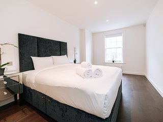 151. SOUTH KENSINGTON AREA MODERN 3 BEDROOM FLAT