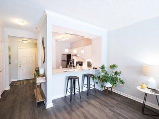 SoBe Acklen Apartments 2BR/2BA