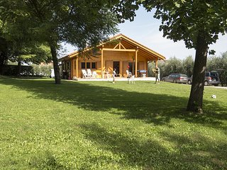 Villino in Campagna, con grande Giardino e Piscina