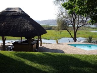 Ndabiri - fully equipped, self catering chalets overlooking the Zambezi River