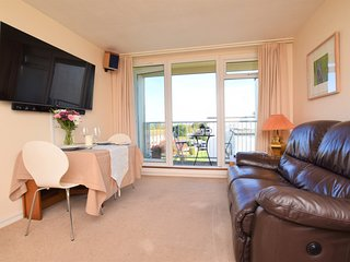 66156 Apartment situated in Dawlish Warren