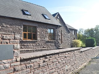 65965 Cottage situated in Abergavenny (2mlsNE)