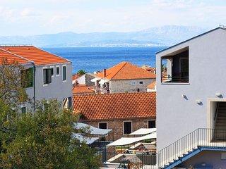 1 bedroom Apartment in Sutivan, Splitsko-Dalmatinska Zupanija, Croatia : ref 556