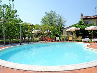 2 bedroom Villa in Lido di Camaiore, Tuscany, Italy - 5240765