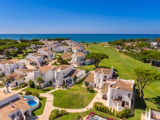 Vale do Lobo fantastic sea and golf views, comfortable  villa, close to beach