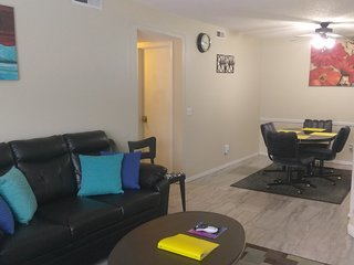 Lovely, Clean, Colorful & Convenient Condo in Oklahoma City