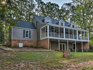 Renovated Lakefront Home w/Dock - 11 Mi to Clemson