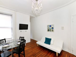 Comfortable Apartment West 83rd St (8994)