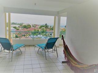 Superbe F3 à l'Anse mitan grande terrasse vue mer 360° à 2 min plage