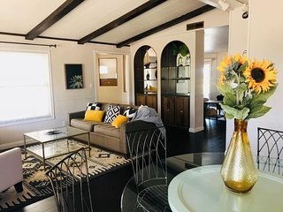 """Spacious Citrus Grove Wine Country Retreat"""