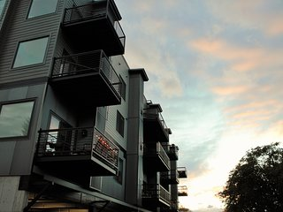 Luxury Apartment in Missoula's Riverfront neighborhood with a rooftop terrace!