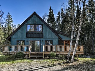 Charming Lake Placid Chalet w/ Deck & Fireplace!