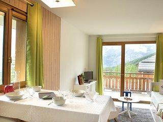 Ski + Hike + Bike in Les Orres | Cozy, Sunny Apartment