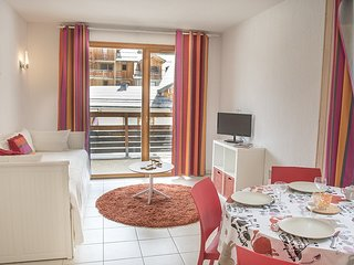 Stylish Apartment near Ski School | Great Les Orres Location!