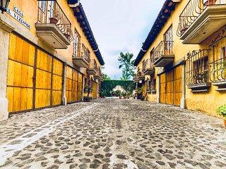 Townhouse Saltri #1 - Antigua Guatemala