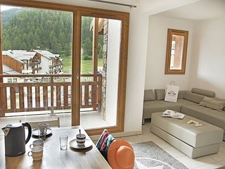 Ski, Hike and Mountain Bike | Spacious Les Orres 1800 Apartment