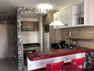 Belíssimo e confortável studio para até 2 hóspedes no ed. Sky - Batel