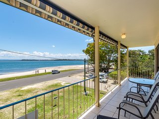 Water Views - Top Floor -Clearview Apartments South Esp, Bongaree