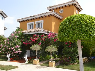 MurciaVacations - Stunning Villa with 3 Bedrooms with Pool and Hot Tub - Mar Men