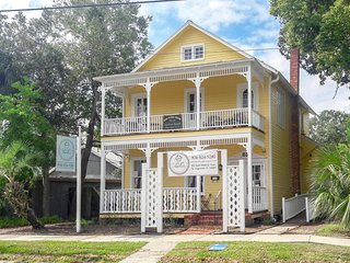 HISTORIC DISTRICT -Walk Everywhere - Great Downtown location w/ Private Parking!