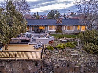 NEW LISTING! Canyon & Mountain Views - Outdoor entertaining space