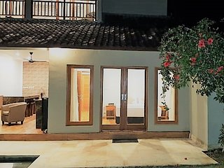 Villa Wayan is a great 5 bedroom villa with 12 seater outdoor spa