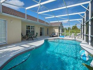 FIVE STAR 3BR Pool Home, ROKU Apps, HBO, GamesRm, WiFi, BBQ,Clean,Disney/Orlando
