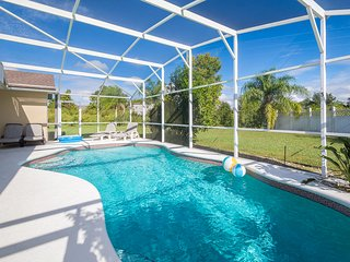 FIVE STAR 3 BR Home - Private Pool, Games Room, WiFi, BBQ - Orlando/Disney
