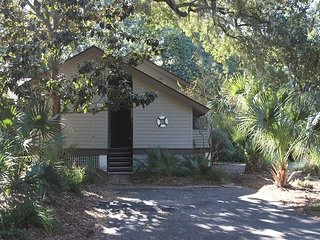 Charming cottage yards to beach and very central location