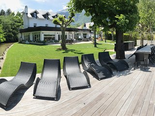 Exclusive Waterfront Villa 15p, Lake Annecy.