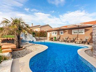 Cozy pool House Tomas ina Marčana, Istria