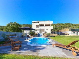 Villa Ume - Five Bedroom Villa with Private Pool