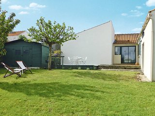 2 bedroom Villa in Saint-Nicolas-de-Brem, Pays de la Loire, France : ref 5448067