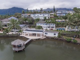 Sea Breeze Villa - Beautiful Kaneohe Bay Views/AC/3 Bedrooms/Hot tub