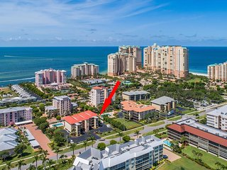 WHAT A BEAUTY....perfect unit in perfect Island Location !  Great property