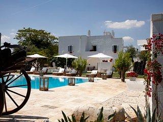 6 bedroom Villa in Polignano a Mare, Apulia, Italy : ref 5684039