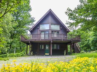 Cottage in the Woods, close to everything in Stowe!