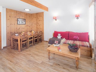 Ski or Mountain Bike from your Door! | Cozy Apartment in Les Orres