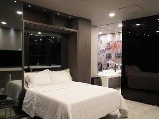 Platinum 4 bedroom Parque Lleras Boutique Apt