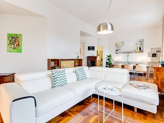 Large and bright 2 bed flat in San Giovanni