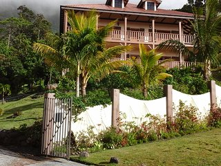 Emerald - Trois Piton Apartments