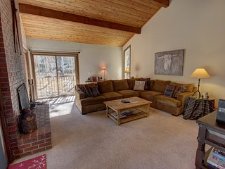 Keystone Ski Chalet 32 - 3 King rooms, Private Hot tub/Garage/ Laundry by Summit
