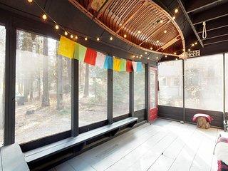 NEW LISTING! Forest cabin w/screened porch, fireplace & private beach access