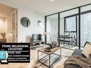 Melbourne CBD 2 BR Urban Apartment