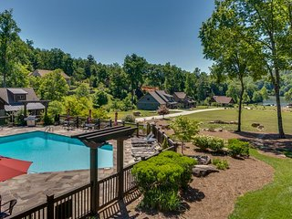Firefly Retreat #202 | Premier Gated Community | Views Of Lake; pool, boats & mo