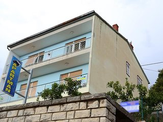 Three bedroom apartment Sibenik (A-16170-a)