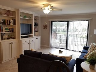 Ocean View Condo, Wifi, 4 heated pools, Tennis Courts, Shuffleboard, WIFI