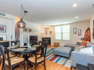 Queen Village Townhome - GARAGE and PATIO