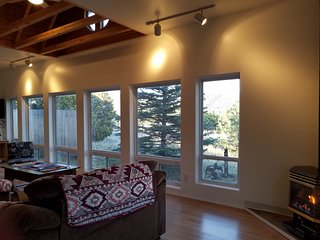 Tranqil/Private Retreat with Private Trail & Mtn Views off I25